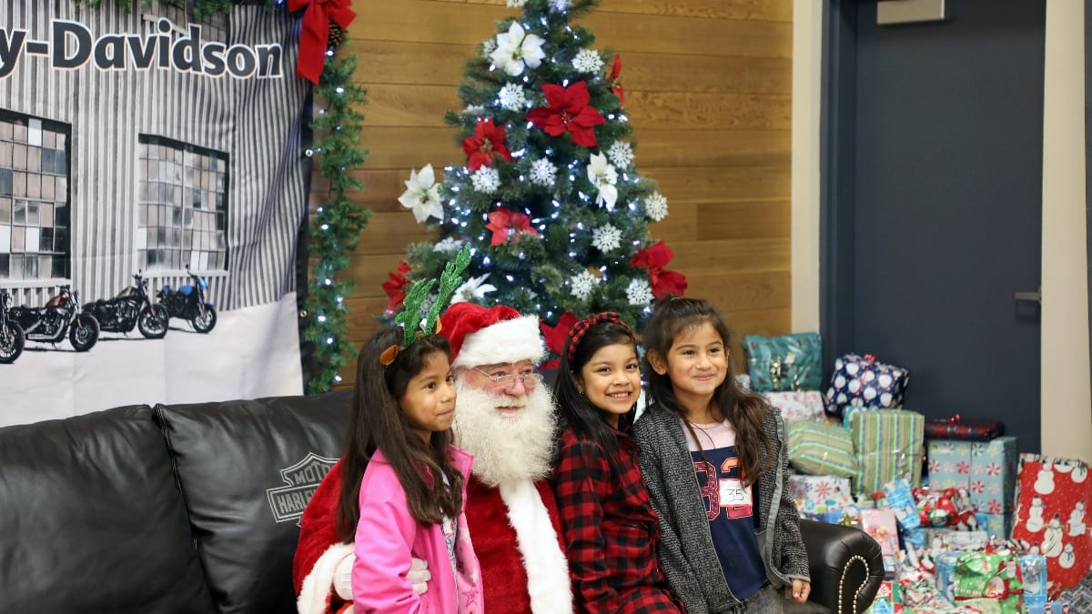 Students From Hammond Kennedy And Washington Elementary Are Having A Harley Davidson Christmas This Year Salem Keizer Public Schools