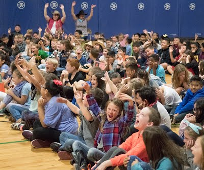 Lee Students at assembly for Kevin Janison