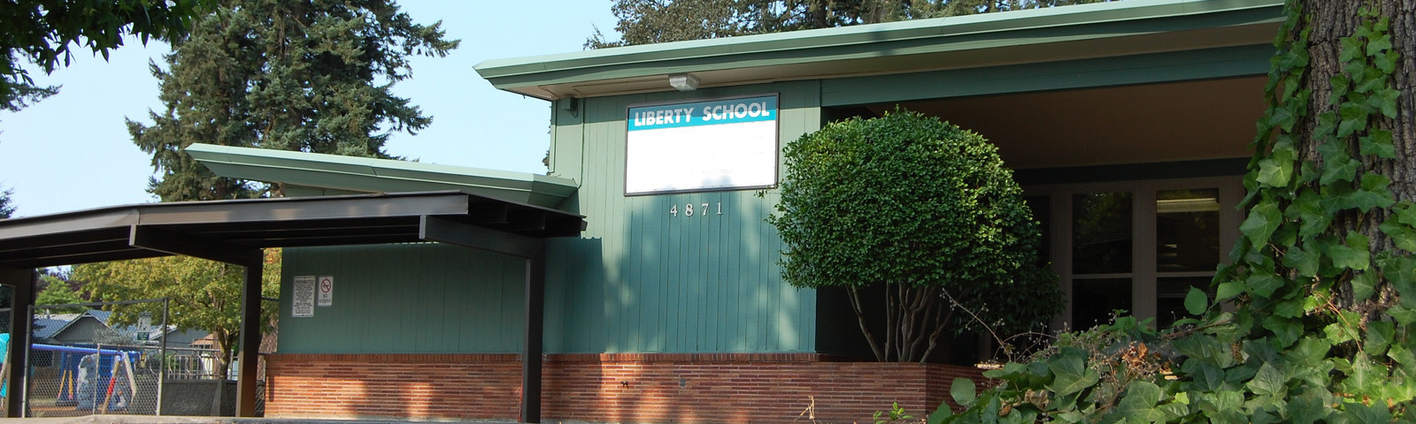 Liberty Elementary front exterior